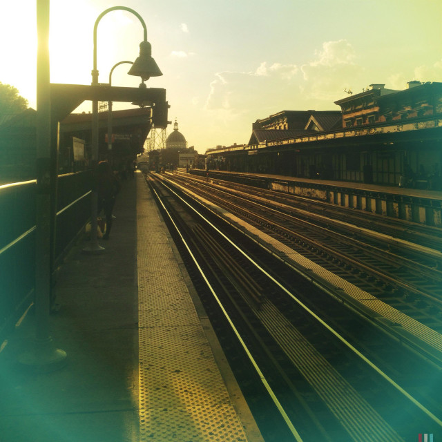 """""""Early morning at the Lorimer subway station on the M J Z MTA subway lines in Brooklyn, New York"""" stock image"""