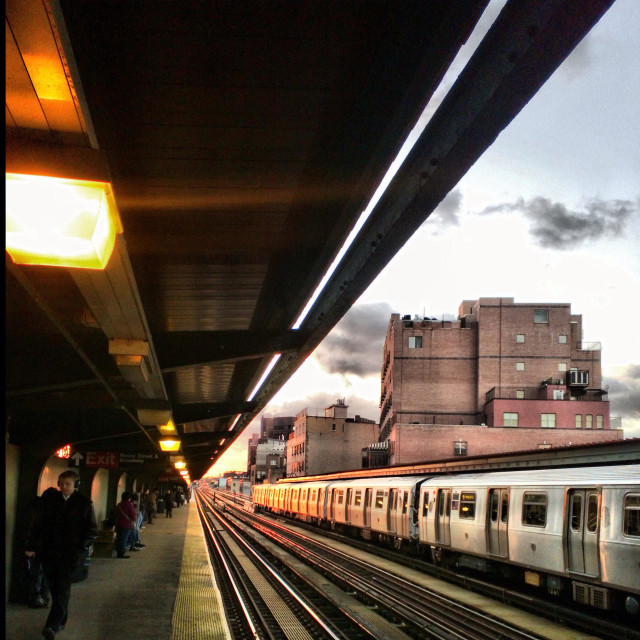 """""""J train in Brooklyn, at the Lorimer st station, early morning, on it's way to Jamaica, Queens"""" stock image"""