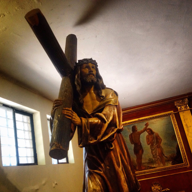 """""""A sculpture of Jesus Christ carrying the cross decorates a church in Reforma Avenue, Mexico City, Mexico"""" stock image"""