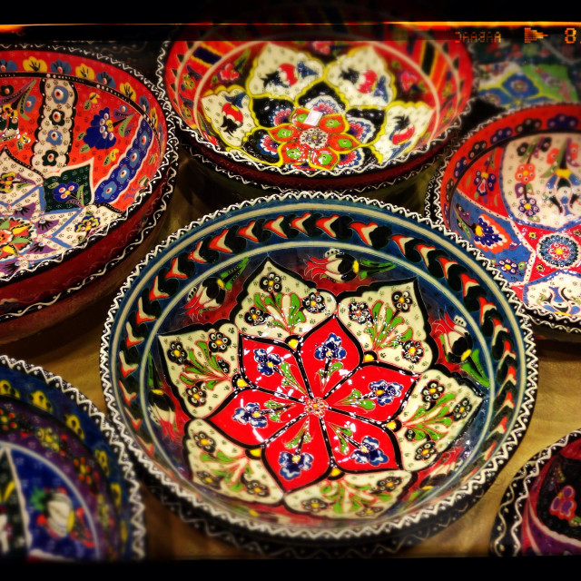 """""""Finely Decorated Bowls for Sale in a Turkish Pottery Workshop. A fine example of Turkish Ceramic Art. Photo Credit - © COLIN HOSKINS."""" stock image"""