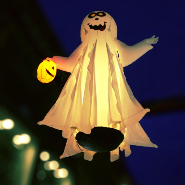 """""""Ghost mannequin hanging in dusk sky at Halloween"""" stock image"""