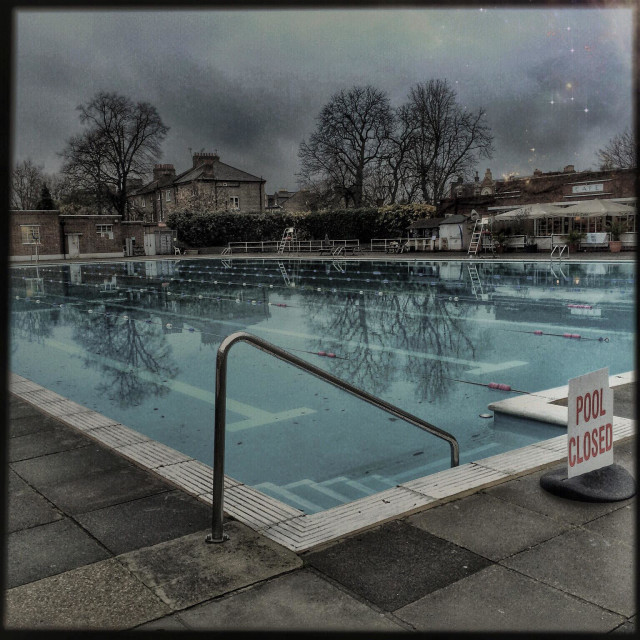 """""""Brockwell Lido on a winter day"""" stock image"""