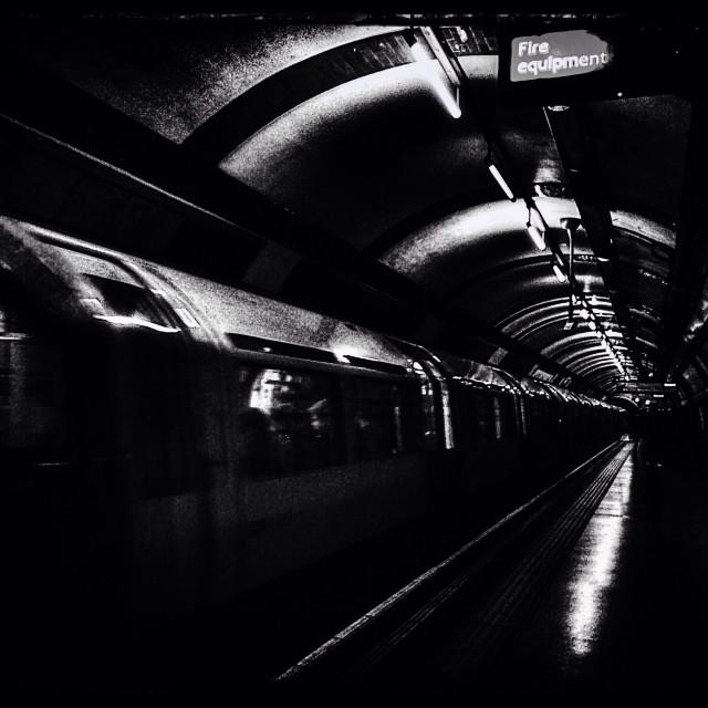 """Tube platform, Earl's Court, Royal Borough of Kensington and Chelsea, Central London, England, United Kingdom, Europe"" stock image"