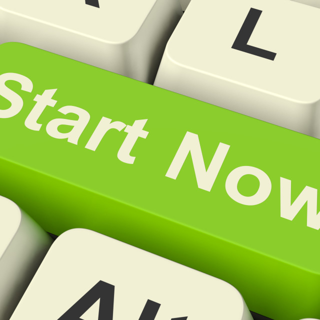 """""""Start Now Key Meaning To Commence Immediately On Internet"""" stock image"""