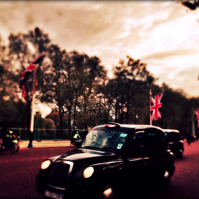 """""""Black Cab on The Mall, City of Westminster, Central London, England, United Kingdom, Europe"""" stock image"""