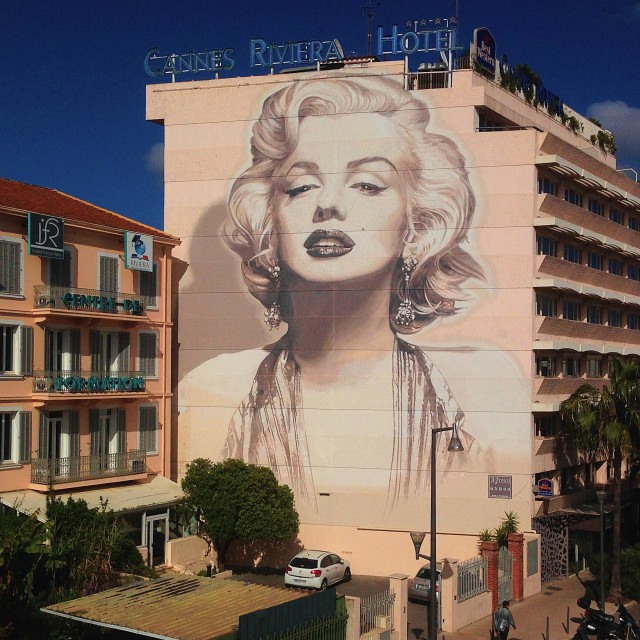 """Wall mural painting of Marilyn Monroe on the Boulevard D'Alsace in Cannes, France"" stock image"