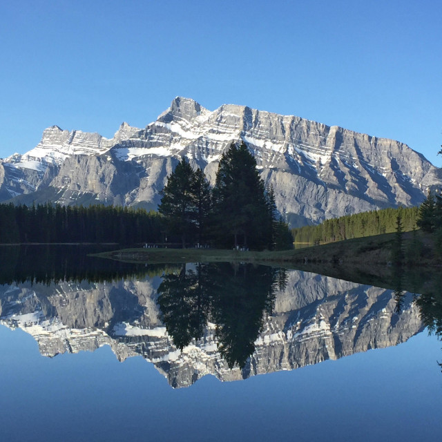 """""""Two Jack Lake and Mt Rundle"""" stock image"""