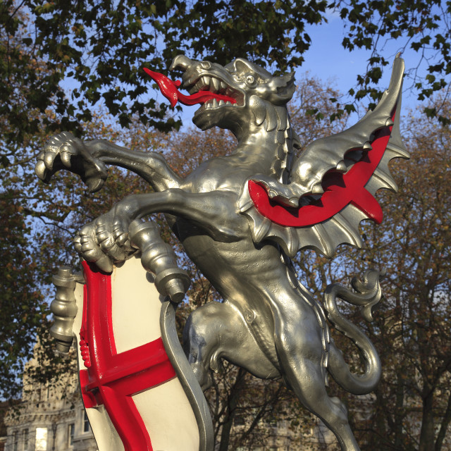"""""""City of London griffin boundary sculpture, with Shield of St George, London..."""" stock image"""