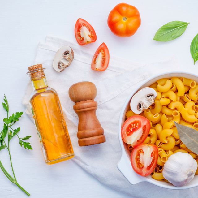 """basil ,tomato ,garlic ,extra virgin olive oil ,parsley ,bay leaves and..."" stock image"