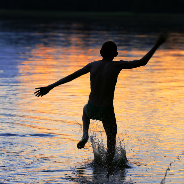 """""""Run to the water"""" stock image"""