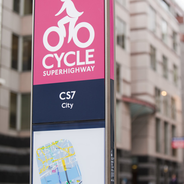 """A Cycle Superhighway, in this case the CS7 that goes from Southwark bridge to..."" stock image"