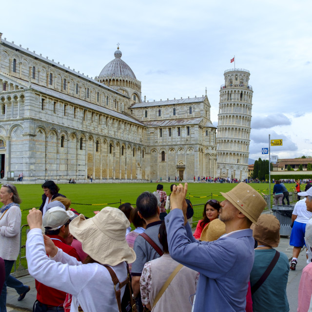 """""""Pisa, Italy - May 11, 2014: Tourists in front of the Leaning Tower of Pisa Pisa, Tuscany, Italy, Europe"""" stock image"""