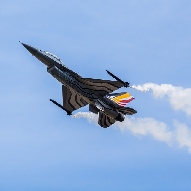 """""""High alpha pass by Belgian F-16 solo display"""" stock image"""