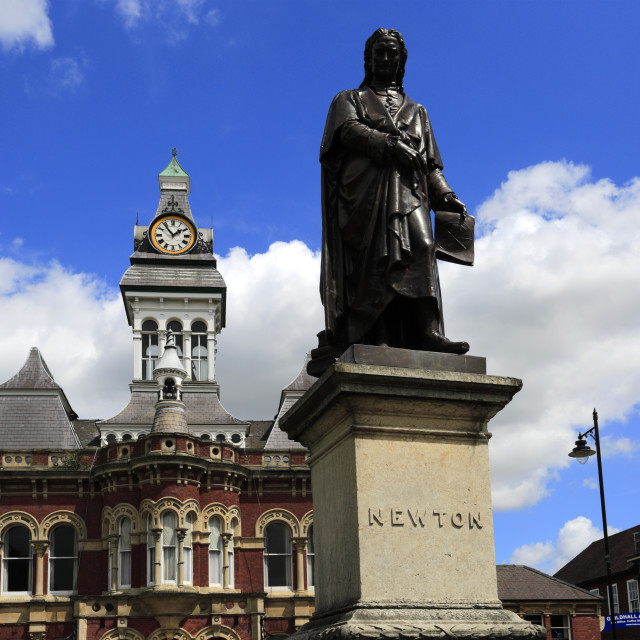 """""""Statue of Sir Issac Newton and the Guildhall, Town hall of Grantham,..."""" stock image"""