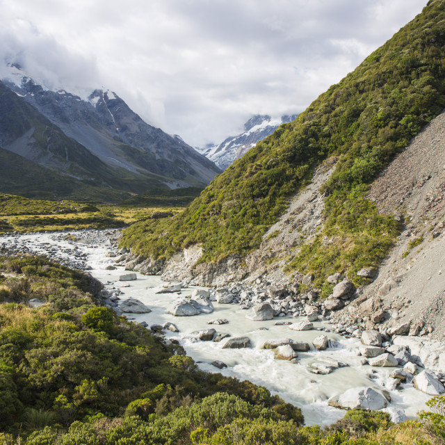 """View up the Hooker Valley, Aoraki (Mount Cook) National Park, UNESCO World..."" stock image"
