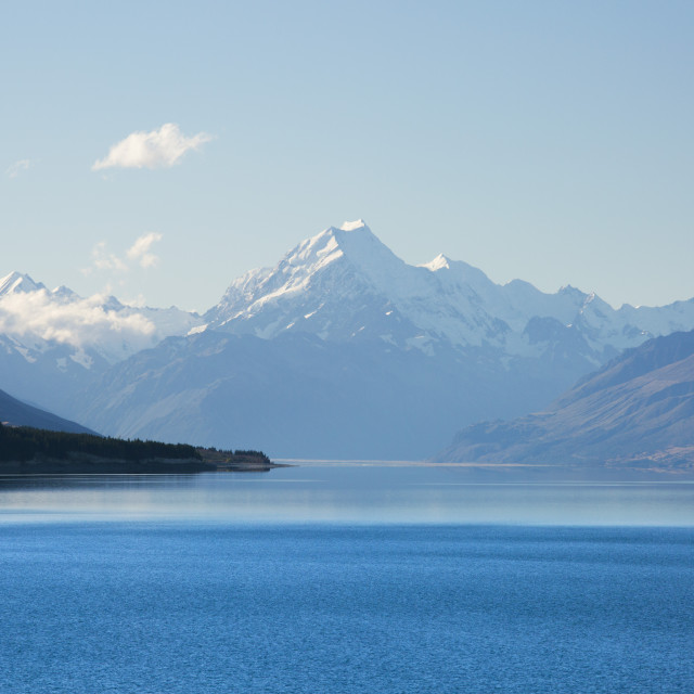 """View across tranquil Lake Pukaki to Aoraki (Mount Cook), near Twizel,..."" stock image"