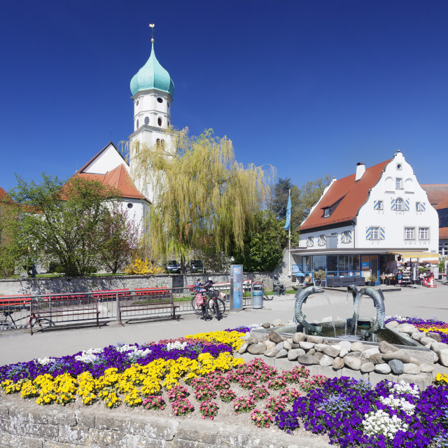 """""""St.Georg church and castle, Peninsula of Wasserburg, Lake Constance,..."""" stock image"""