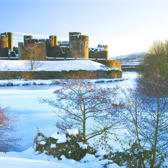 """Caerphilly Castle, Snow, Caerphilly, Cardiff, Wales, UK"" stock image"
