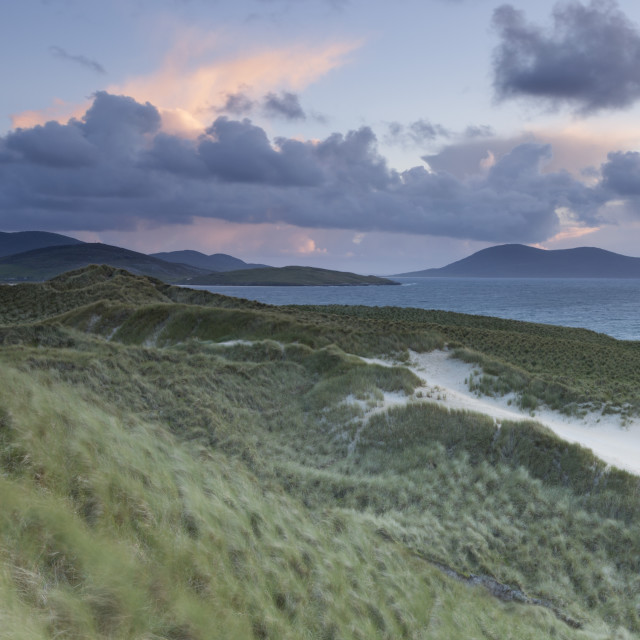 """""""A view across the sound of taransay from the dunes at Luskentyre, Isle of..."""" stock image"""