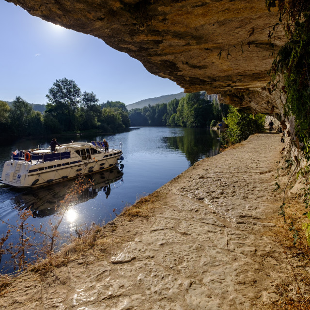 """Towpath of the Lot river along the Lot river, Lot, Quercy, France"" stock image"