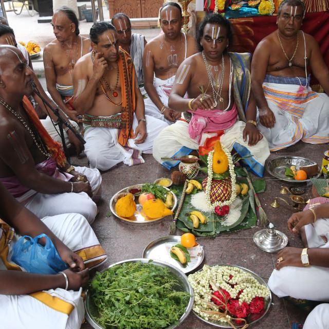 """Sri Vadapathira Kaliamman hindu temple. Hindu Brahmin priests. Puja ceremony...."" stock image"