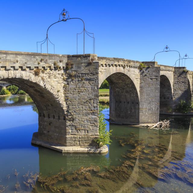 """""""Carcassonne, 14th century medieval bridge Pont-Vieux, over River Aude, Ville..."""" stock image"""