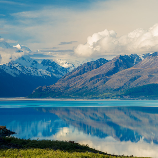"""Aorkai (Mount Cook) and the Southern Alps reflected in the still waters of..."" stock image"
