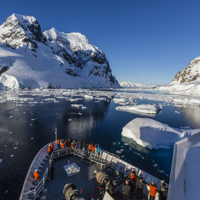 """The Lindblad Expeditions ship National Geographic Explorer in the Lemaire..."" stock image"