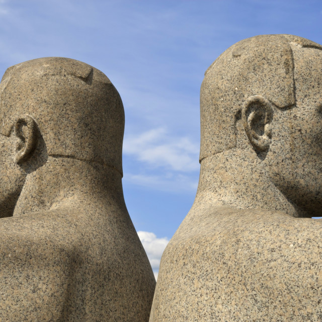 """""""Back to back, detail of a sculptural group on the Monolith Plateau by Gustav..."""" stock image"""