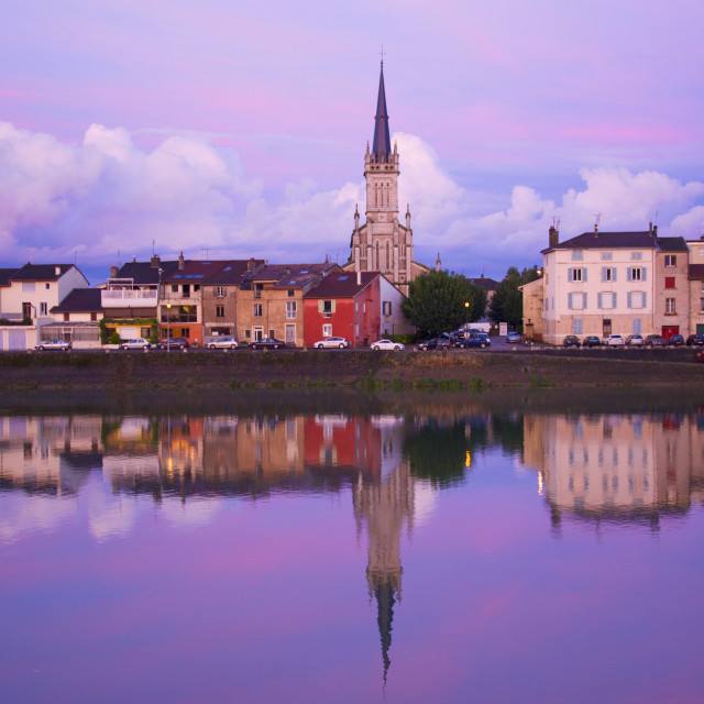 """""""Yonne riverbanks at sunset, Auxerre, Yonne, Bourgogne (Burgundy), France, Europe"""" stock image"""