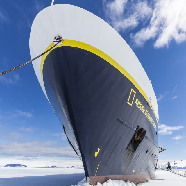"""""""The Lindblad Expeditions ship National Geographic Explorer wedged into fast..."""" stock image"""