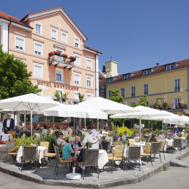"""Street cafe, restaurant on the promenade, Lindau, Lake Constance (Bodensee),..."" stock image"