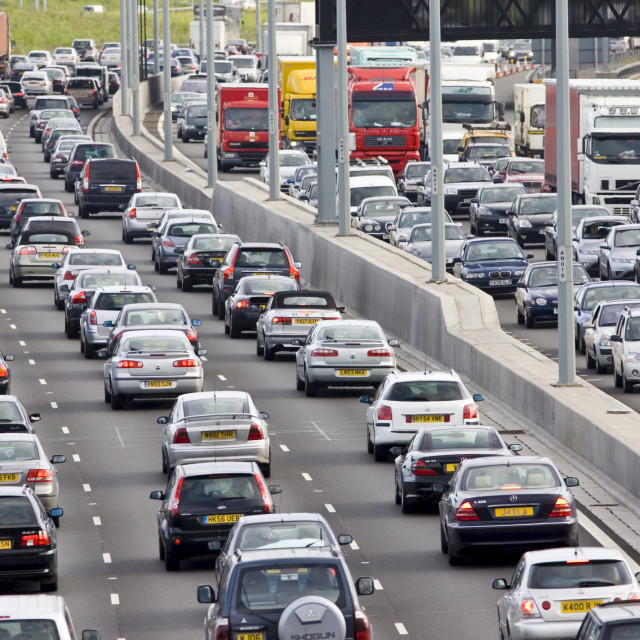 """""""Traffic congestion of cars and lorries travelling in both directions on M25..."""" stock image"""
