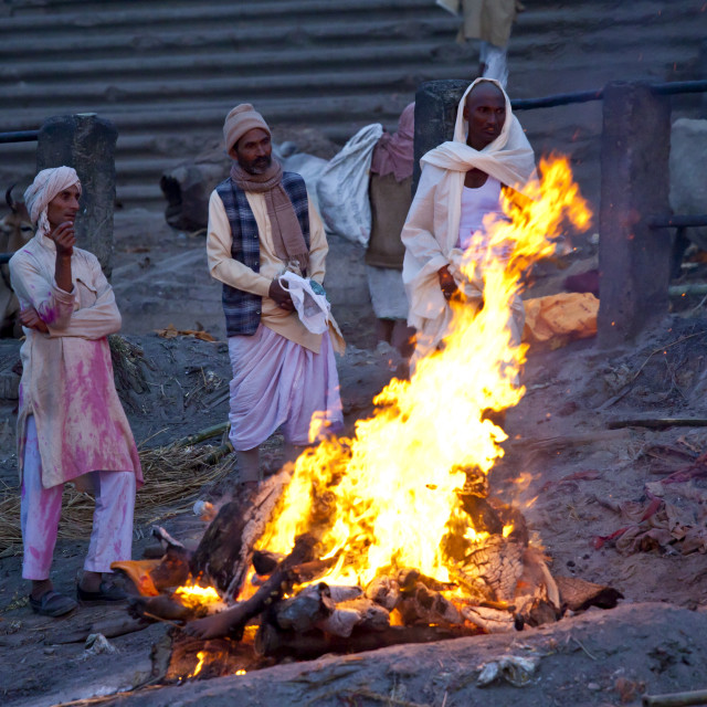 """Body burning on funeral pyre at Hindu cremation at Manikarnika crematorium..."" stock image"