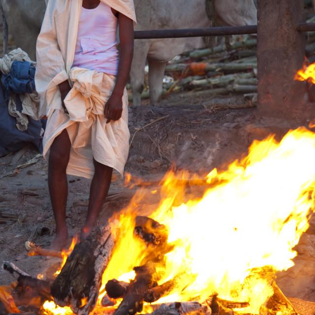 """""""Body burning on funeral pyre at Hindu cremation at Manikarnika crematorium..."""" stock image"""