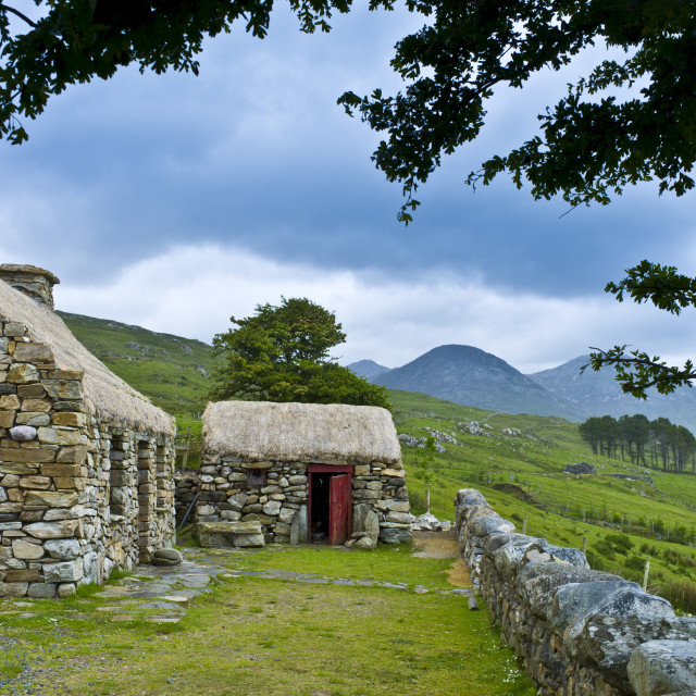 """Historic cottage of Dan O'Hara, evicted by the British and forced to..."" stock image"