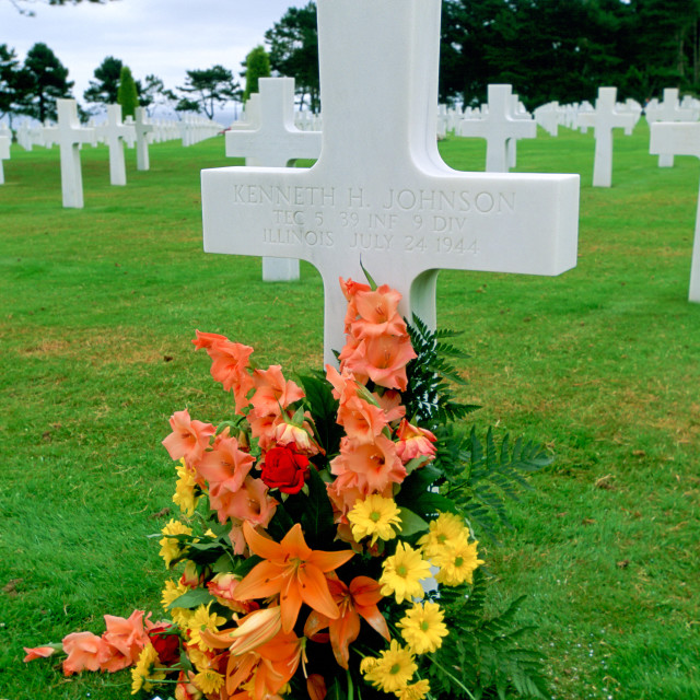 """Headstones at a United States Military Cemetery at Utah Beach in Normandy,..."" stock image"