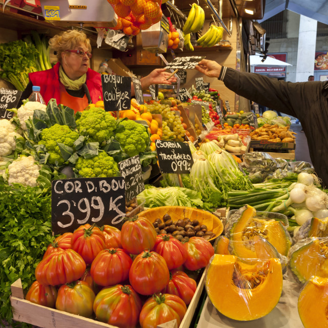 """Arranging the stall, Saturday morning at La Boqueria, probably Barcelona's..."" stock image"