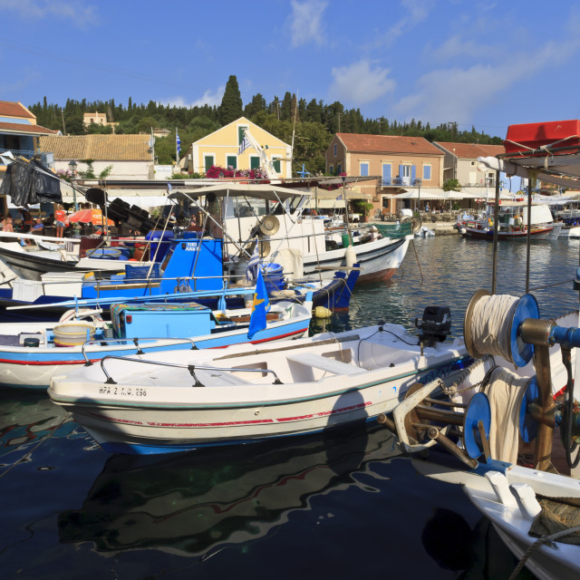 """""""Harbourside with boats and cafes, Fiskardo, Kefalonia (Cephalonia), Ionian..."""" stock image"""