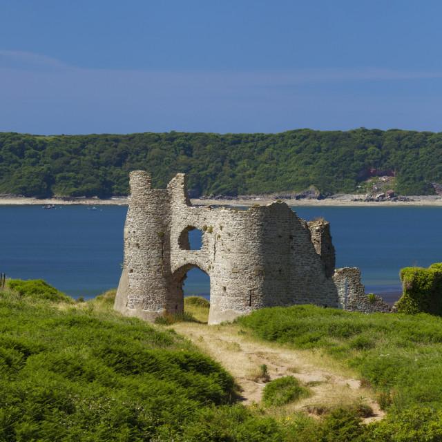 """Pennard Castle (Penmaen Castle) overlooking Three Cliffs Bay, Gower, Wales,..."" stock image"