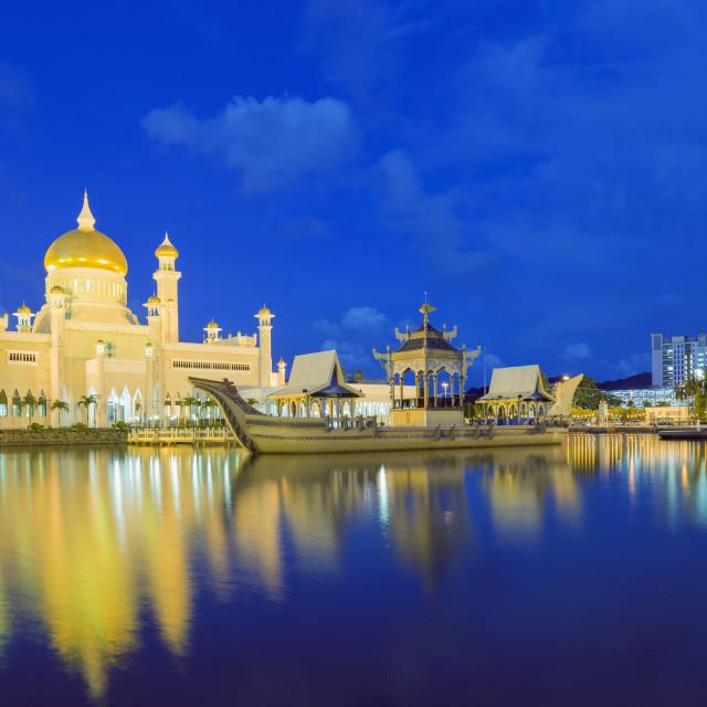 """Omar Ali Saifuddien Mosque, Bandar Seri Begawan, Brunei, Borneo, Southeast..."" stock image"