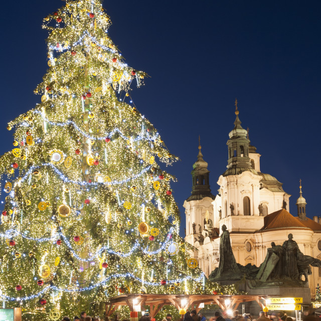 """Old Town Square Christmas Market with Christmas Tree, Jan Hus Monument and..."" stock image"
