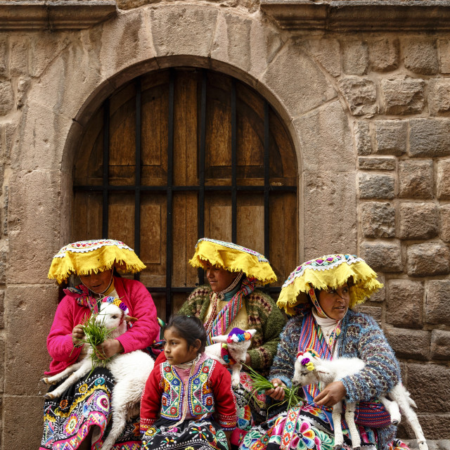 """Quechua women in traditional dress at Calle Loreto, Cuzco, Peru, South America"" stock image"