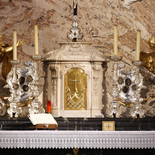 """""""Altar and tabernacle, Karlskirche (St. Charles's Church), Vienna, Austria,..."""" stock image"""