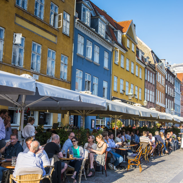 """Restaurants in Nyhavn, 17th century waterfront, Copernhagen, Denmark,..."" stock image"