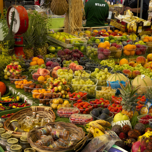 """Fruit and vegetable stall at Campo de Fiori Market, Rome, Lazio, Italy, Europe"" stock image"