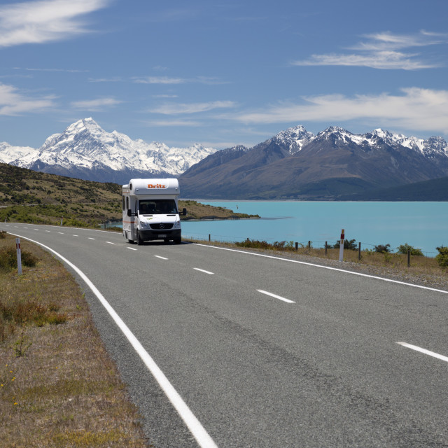 """Campervan on Mount Cook Road with Mount Cook and Lake Pukaki, Mount Cook..."" stock image"