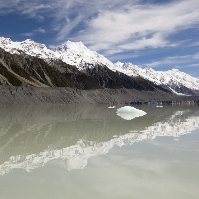 """Mount Cook and Southern Alps, Tasman Lake, Mount Cook National Park, UNESCO..."" stock image"
