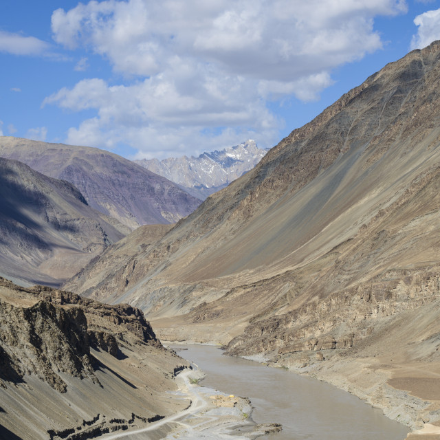 """The mountainous scenery of the Zanskar River, Ladakh, Himalayas, India, Asia"" stock image"