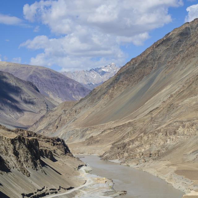 """The mountainous scenery of the Zanskar River, Ladakh, Himalayas, India, Asia"" stock image"